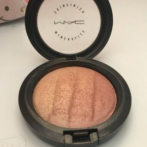 LE Mineralize Skinfinish In Redhead